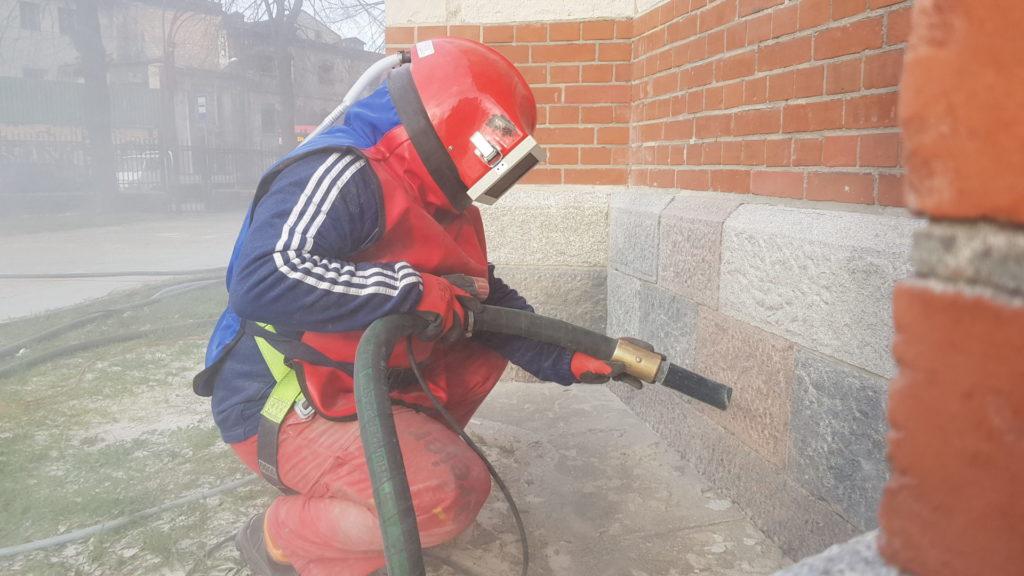 Zadbajmy o estetykę budynku - czyszczenie elewacji metodą piaskowania 1