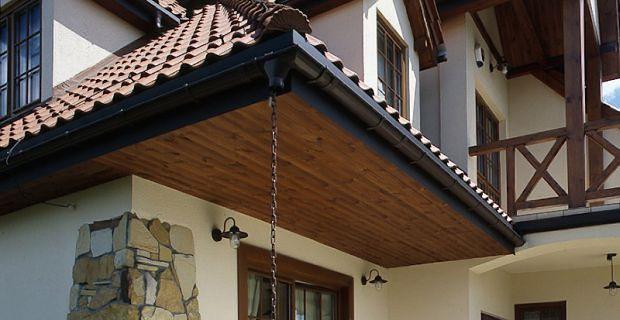 Podbitka dachowa z PCV, metalu czy drewna? 3
