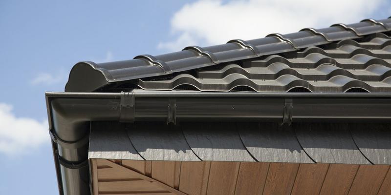 Podbitka dachowa z PCV, metalu czy drewna? 2