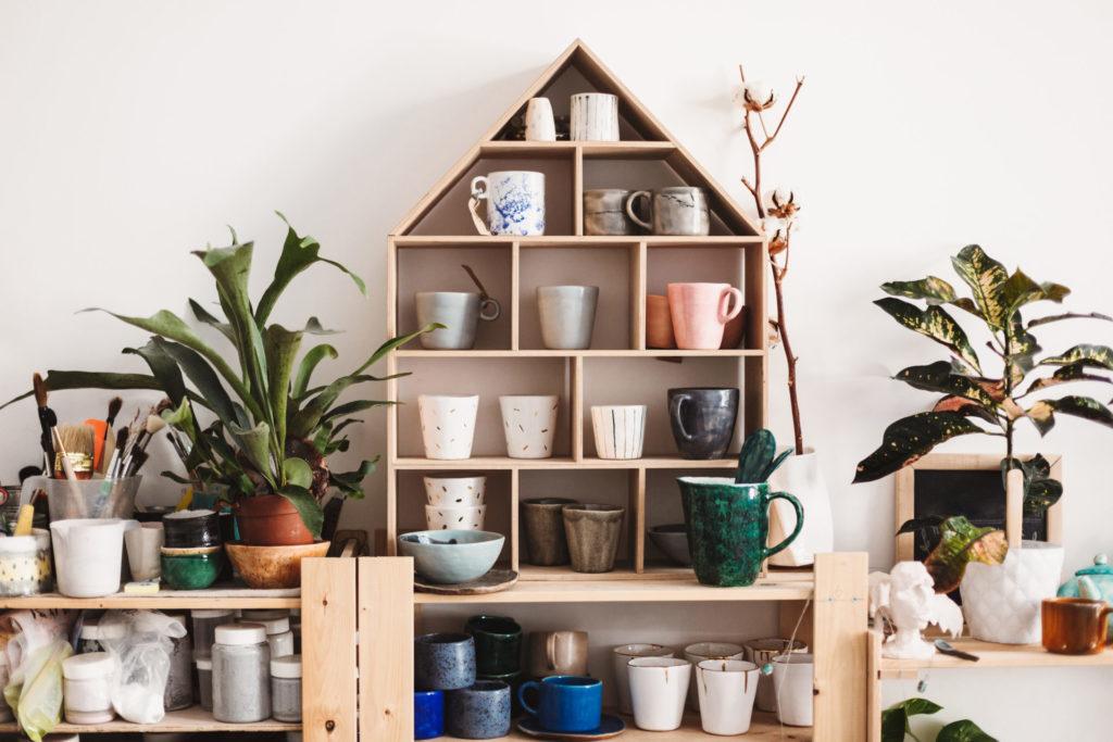 Domowe drobiazgi, czyli jak zorganizować dla nich miejsce i utrzymać porządek 1