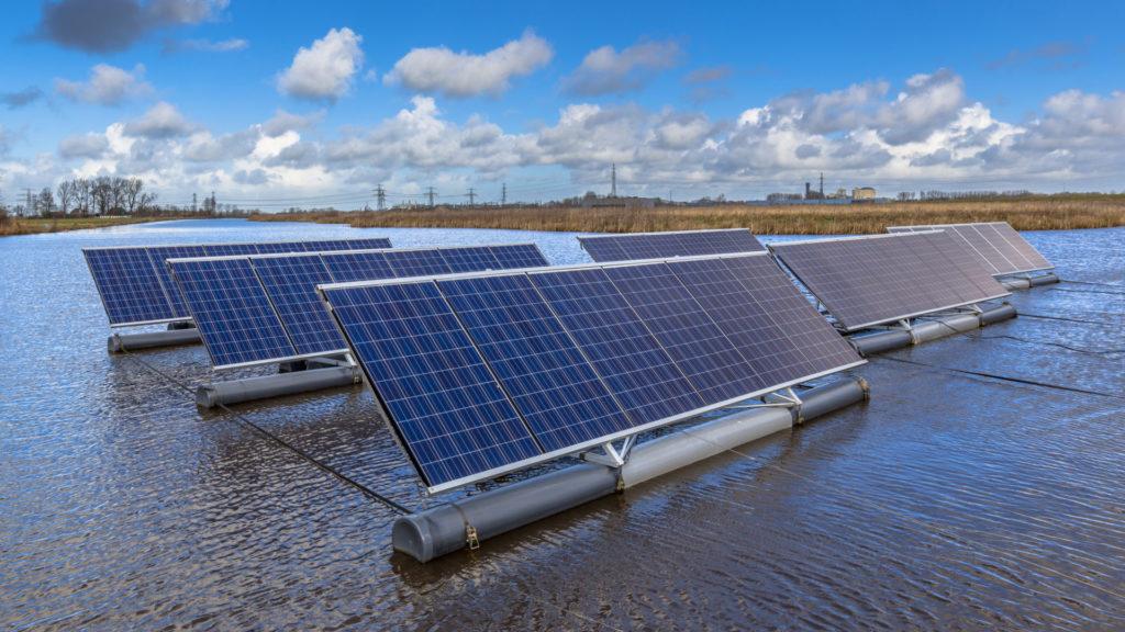 Panele fotowoltaiczne - ekonomiczne korzyści. Jak zainwestować w ekologiczne źródło energii? 1