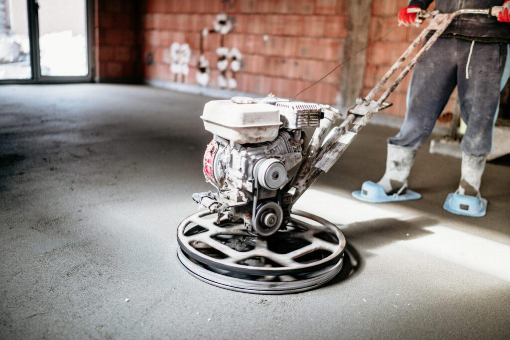 Pielęgnacja betonu. Jak chronić go przed pękaniem? 3