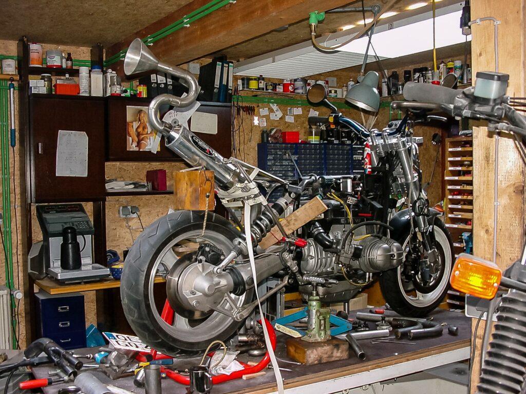 Jak urządzić garaż i zmienić go w mały warsztat? 1